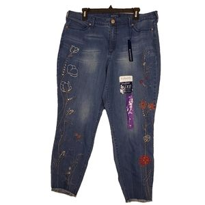 Bandolino Cropped Embroidered Jeans